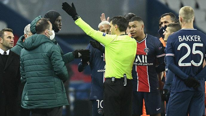УЕФА снял обвинения в расизме с румынского арбитра матча между «ПСЖ» и «Истанбулом»