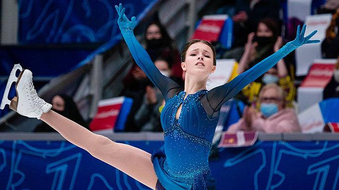 Щербакова лидирует после короткой программы на чемпионате мира, Туктамышева — третья