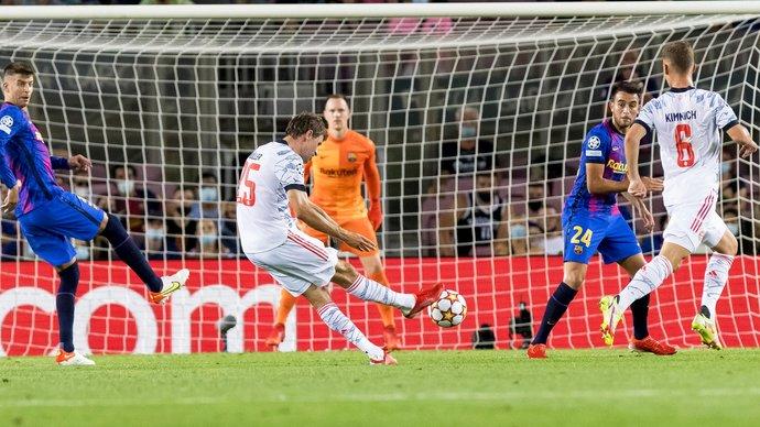 «Бавария» уверенно обыграла «Барселону» на «Камп Ноу», Левандовский сделал дубль