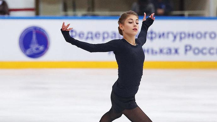 Косторная выиграла короткую программу на этапе Гран-при в Москве, Трусова упала с тройного акселя и стала третьей