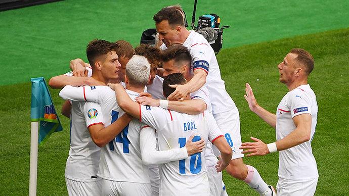 Дубль Шика помог Чехии обыграть Шотландию на Евро-2020