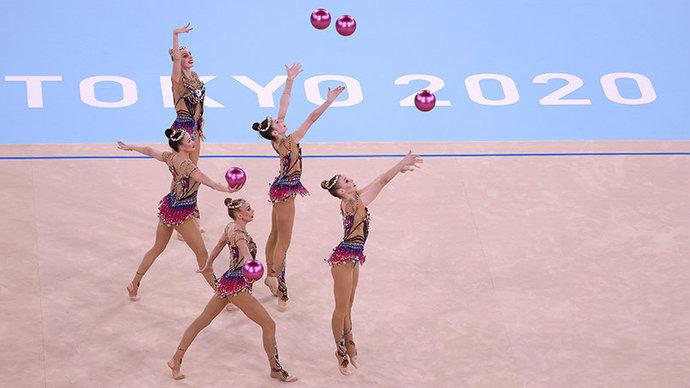 Российские гимнастки-художницы впервые с 2000 года уступили золото Олимпиады в групповом многоборье
