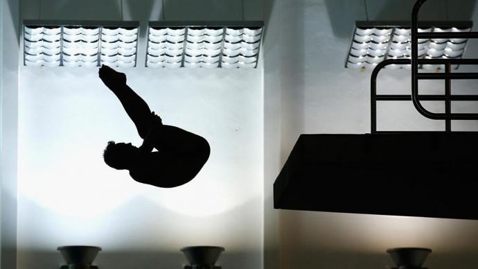 Прыгун в воду впал в кому после неудачного прыжка на турнире в Москве