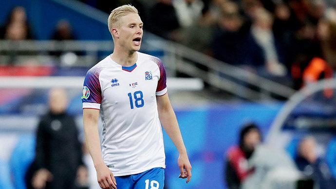 Увидим ли мы исландских фанатов и дебют Грузии на Евро? В розыгрыше — последние четыре путевки в финальную часть
