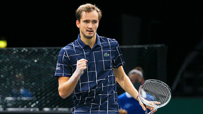 Медведев стал победителем парижского «Мастерса», обыграв в финале Зверева