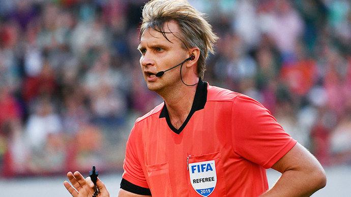 УЕФА на 90 дней отстранил российского арбитра Лапочкина