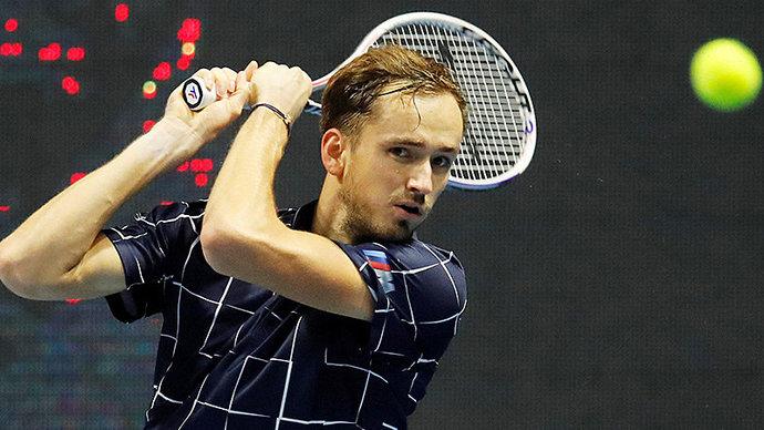 Медведев обыграл Шварцмана на Итоговом турнире ATP. Россиянин на групповом этапе не проиграл ни одного сета