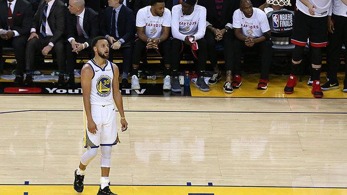 «Голден Стэйт» проиграл «Мемфису» и не попал в плей-офф НБА