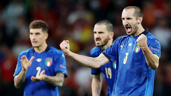 Кьеллини произнес слово-проклятье перед ударом Сака с пенальти в финале Евро-2020