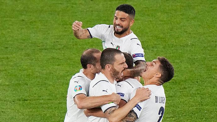 Сборная Италии повторила свой рекорд по количеству матчей подряд без поражений