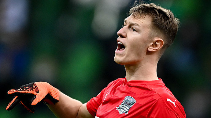 Сафонов не исключил перехода в европейский клуб