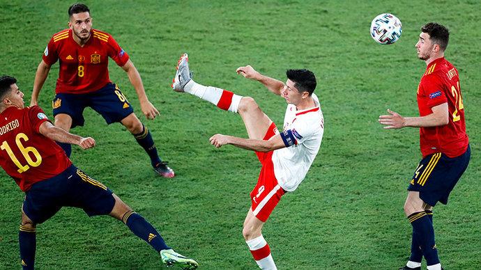 Испания и Польша сыграли вничью, Козловский стал самым молодым игроком в истории Евро