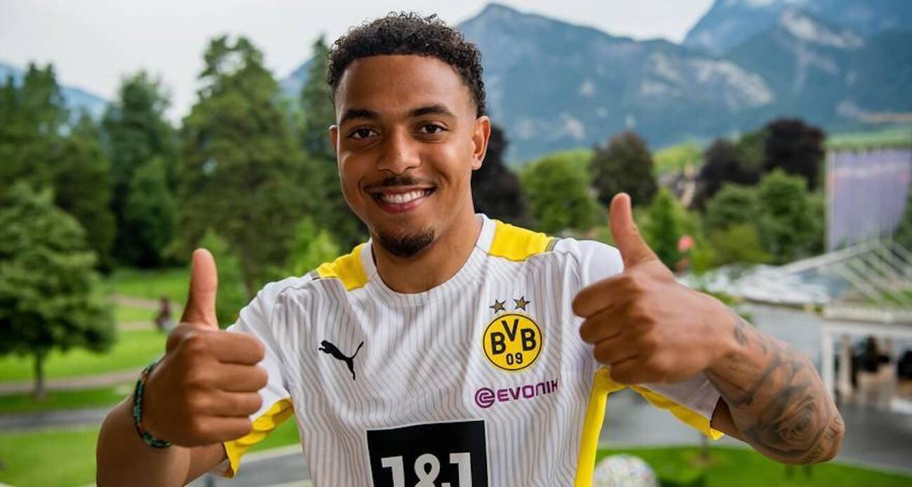 Мален перешел в «Дортмунд» из ПСВ. Сделка оценивается в 30 млн евро