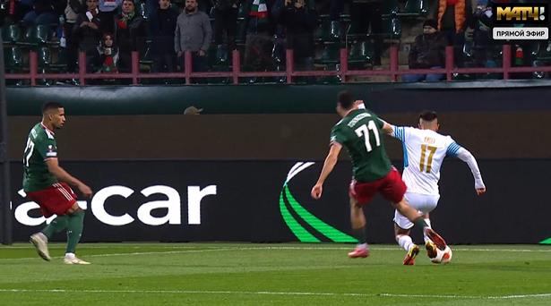 Судья удалил Тикнизяна за две желтые и назначил пенальти в ворота «Локо» в матче ЛЕ. «Марсель» забил