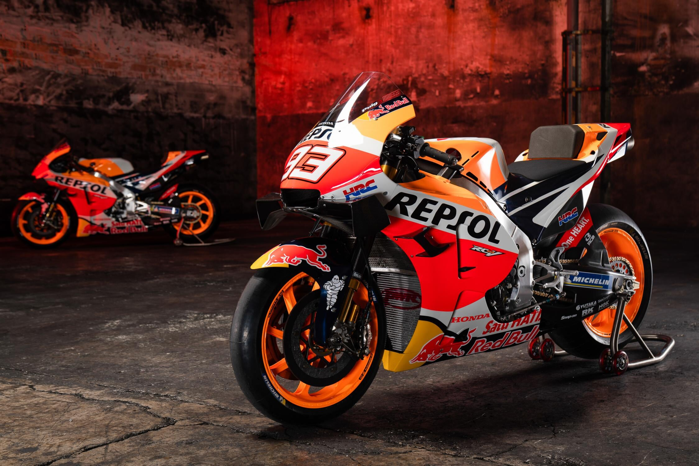 MotoGP. «Хонда» представила байк 2021 года, Маркес пообещал вернуться «как можно скорее»