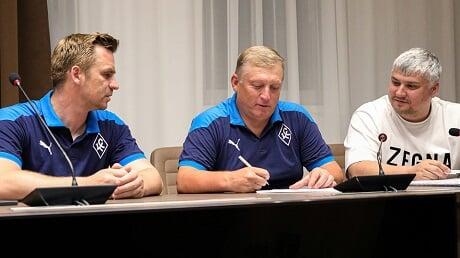 Тренер «Крыльев» Осинькин продлил контракт на три года