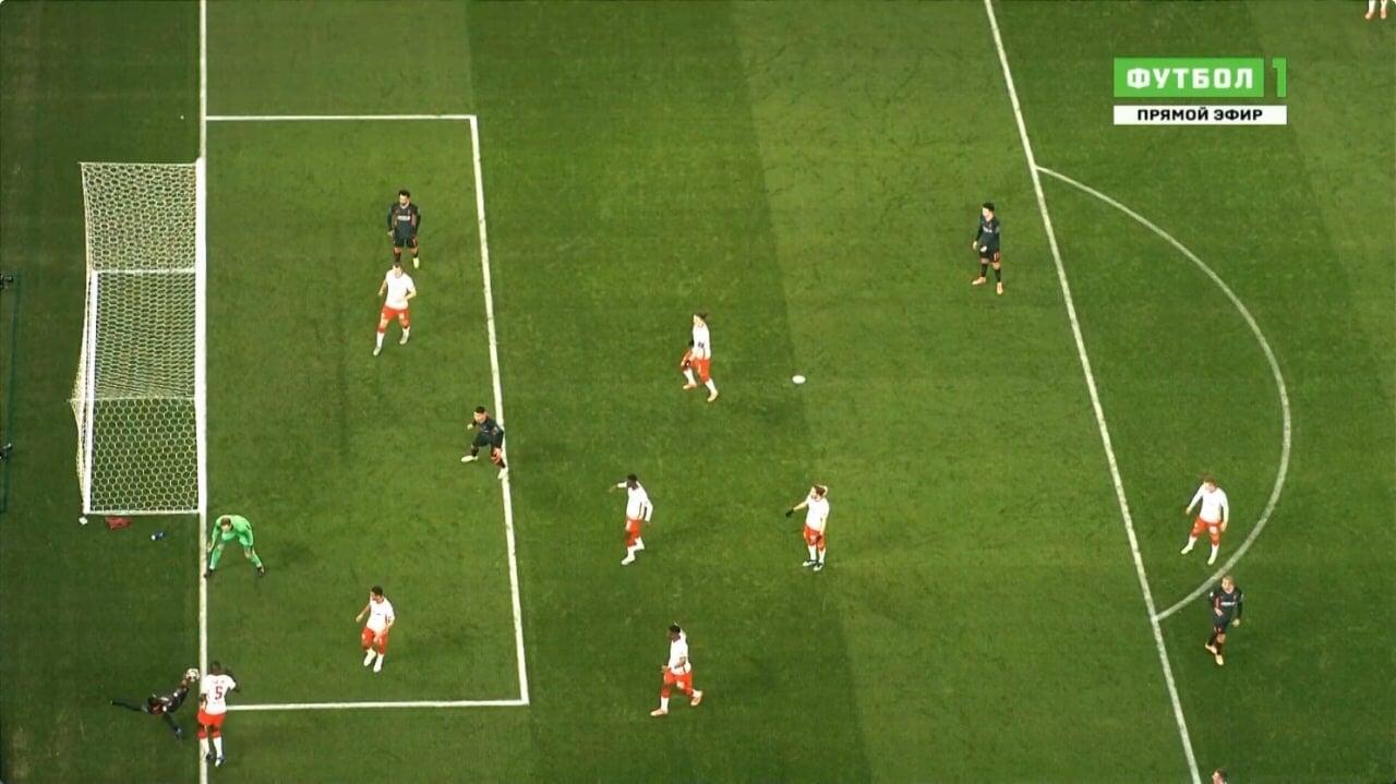 Судья отменил гол Фирмино в ворота «Лейпцига», посчитав, что мяч покинул поле перед пасом Мане