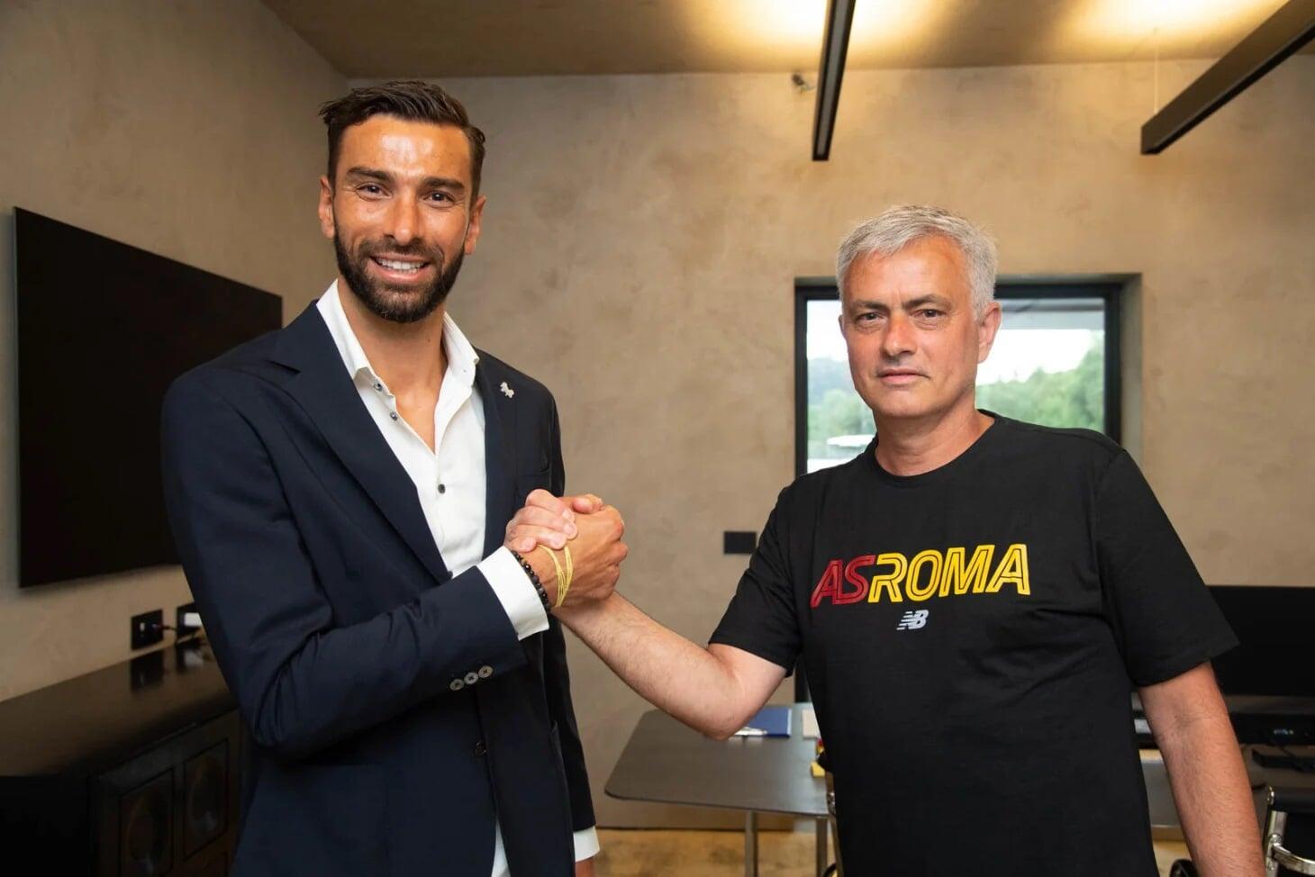 «Рома» купила вратаря сборной Португалии Патрисиу за 11,5 млн евро у «Вулверхэмптона»