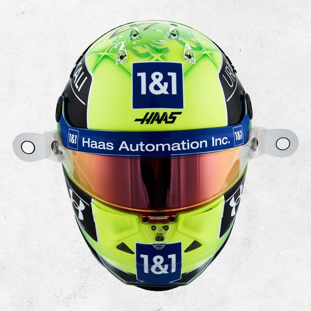 Мик Шумахер показал шлем для первого сезона в «Формуле-1»
