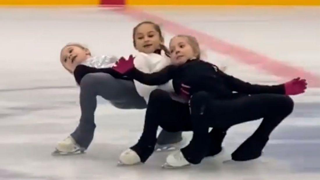 Фигуристки академии Плющенко Ядгарова и сестры Жилины исполнили тройной кантилевер на тренировке: видео