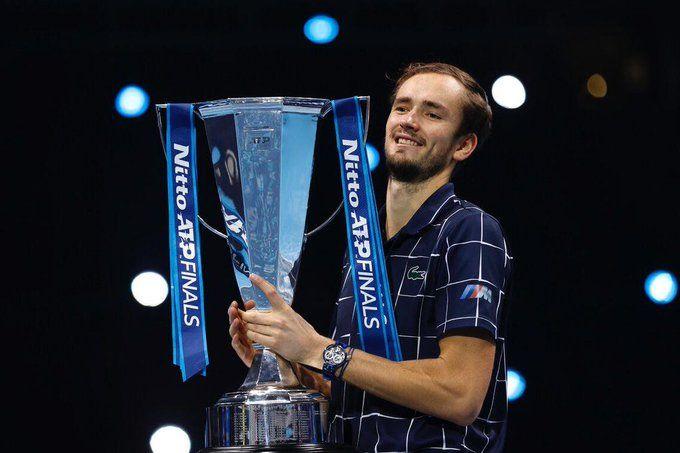 Медведев заработал более 1,5 млн долларов, став непобедимым чемпионом на Итоговом турнире ATP