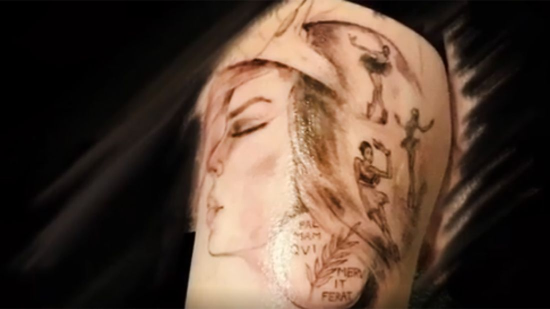 Поклонница Загитовой сделала тату в честь любимой спортсменки. Олимпийская чемпионка оценила