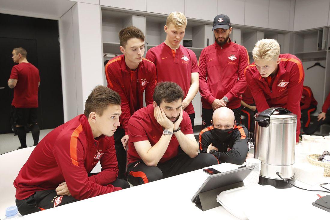 'Впервые оказались рады допинг-контролю!' Джикия объяснил, как 'Спартак' всей командой посмотрел бой Хабиба