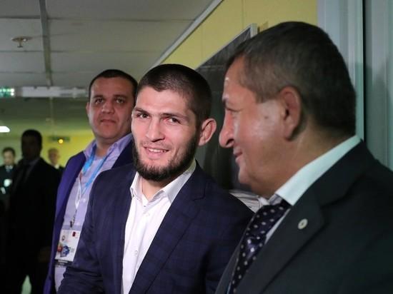 «Хабиб еще может драться,»- дядя знаменитого бойца считает, что он очень рано завершает карьеру
